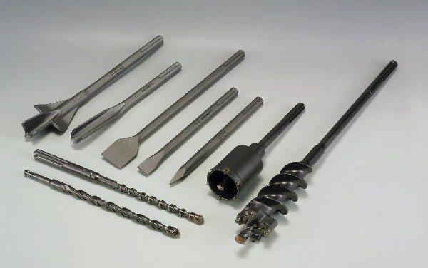 Набор сменного инструмента к перфоратору для работы с тяжелым бетоном.