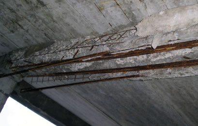 Наиболее частой причиной необходимости усиления является аварийное состояние или разрушение конструкции.