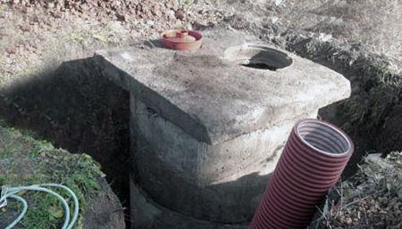 Накопительный дренажный бетонный колодец