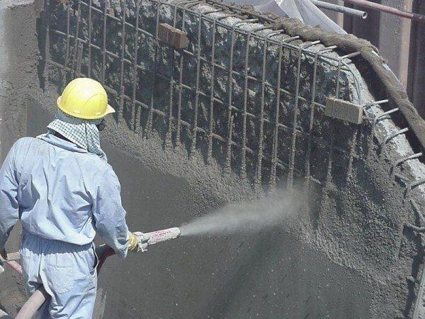 Нанесение торкрет бетона на вертикальную плоскость