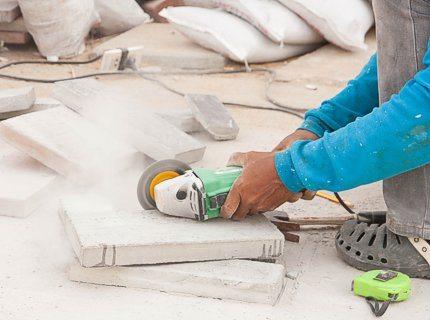 Не знаете, чем срезать бетон небольшой толщины?Для этих целей хорошо подходит малая шлифмашинка