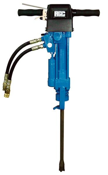 Некоторые строительные компании предпочитают использовать пневматический инструмент, поскольку он более практичный и безопасный, но к нему необходимо иметь компрессорную станцию