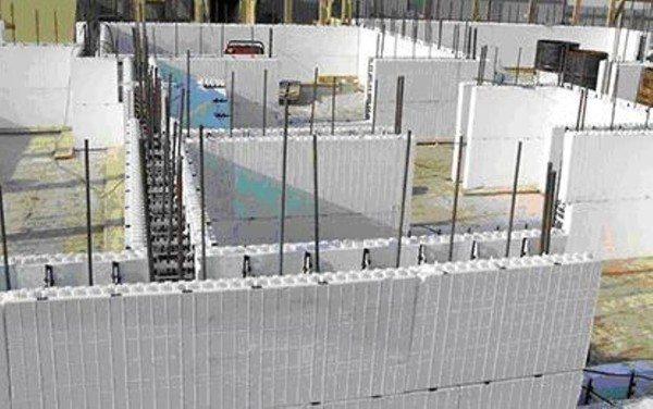 Несъемная опалубка из полистиролбетона для заливки стен