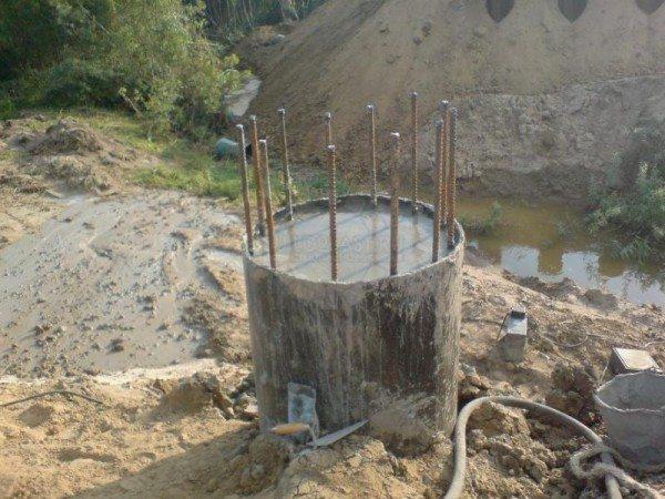 Нижняя секция круглой колонны