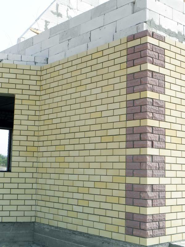 Облицовочный кирпич в наиболее распространенный способ отделки фасадов