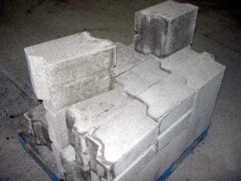 Огнеупорный материал для строительства и стен дома и стенок камина, к примеру