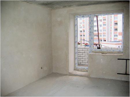 Оштукатуренные бетонные стены