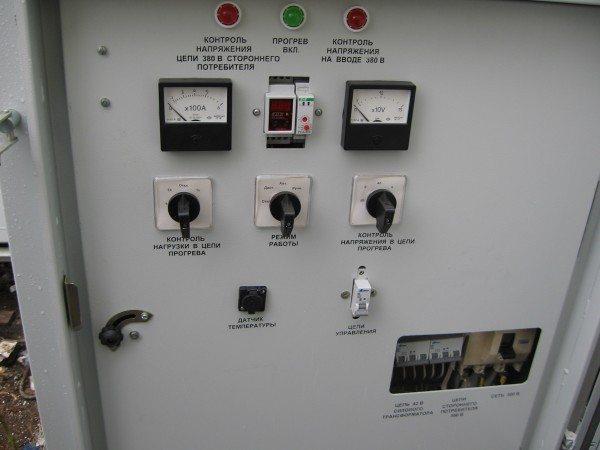 Панель управления станции прогрева бетона.
