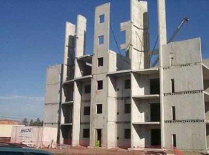 Панели из железобетона значительно убыстряют темпы строительства зданий.