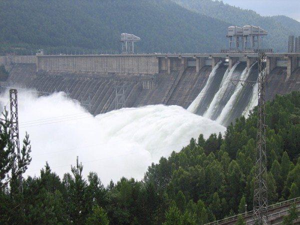 Плотины являются одним из наиболее ответственных видов сооружений.
