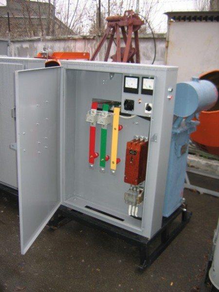 Подстанция для прогрева бетона КТПТО 80 на рабочей площадке