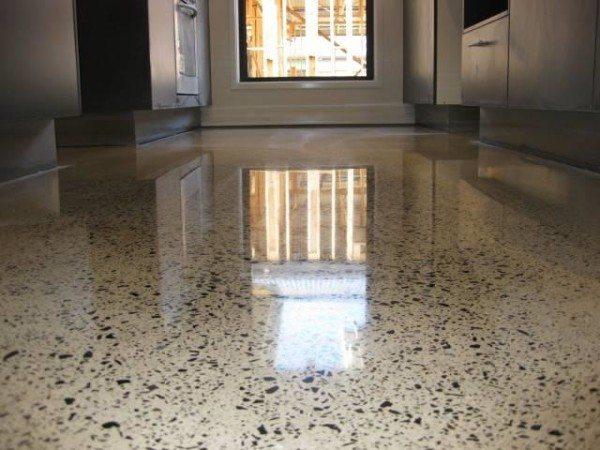 Полированный бетонный пол в интерьере