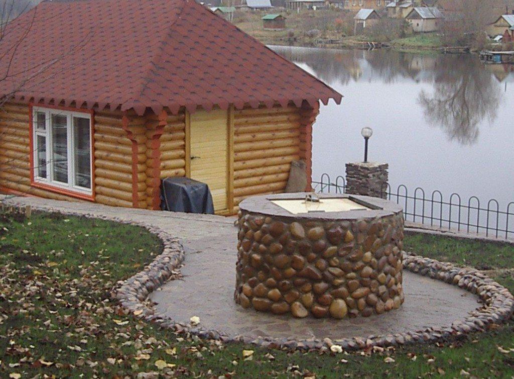 Декорирование колодца из бетонных колец
