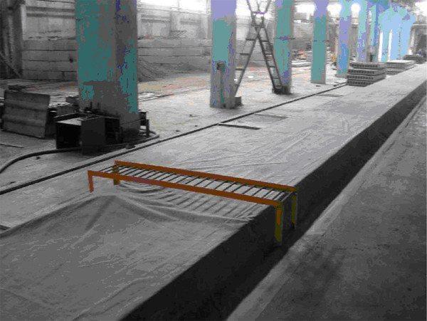 Поверхность бетона схватывается в течение нескольких дней, а вот общее затвердение происходит после 15-20 суток (в зависимости от погодных условий)
