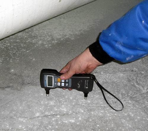 Поверхностное прозвучивание бетона ультразвуком
