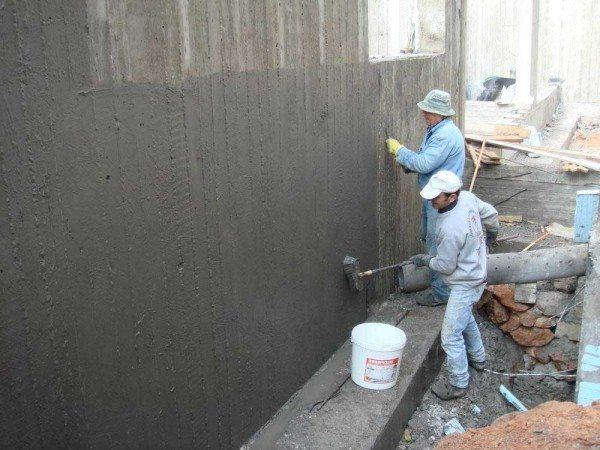 Повышение влагостойкости подземной части конструкции после застывания бетона