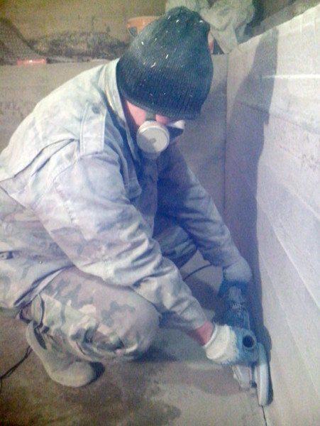 Практически всегда данный процесс связан с выделением большого количества пыли, что соответственно предполагает использование индивидуальных средств защиты