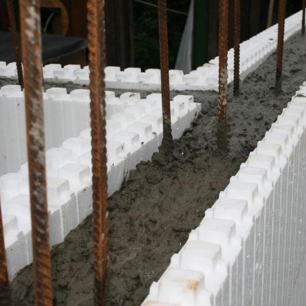 Применение пенопласта в сочетании с бетоном