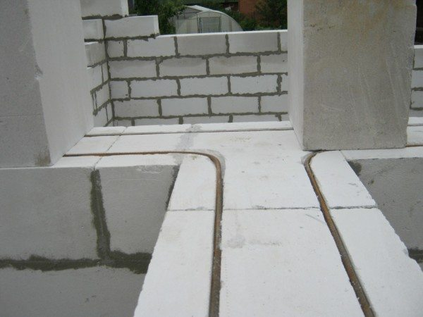 Пример кладки с усилением из металла