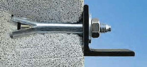 Пример крепежа для газоблока