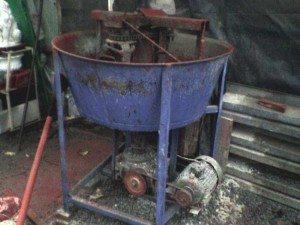 Пример самодельного смесителя с вертикальным расположением барабана