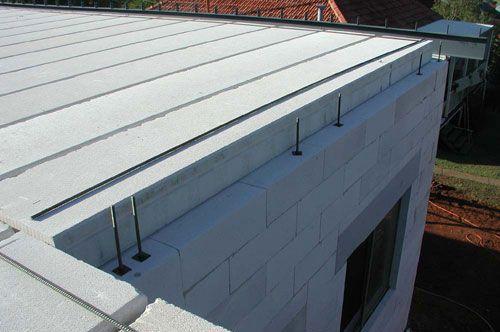 Прочность конструкционного газобетона позволяет использовать его для изготовления плит перекрытий.