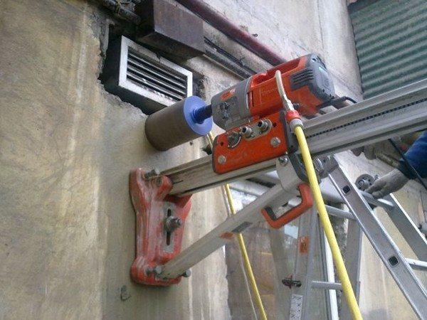 Профессиональное оборудование для сверления отверстий в бетоне