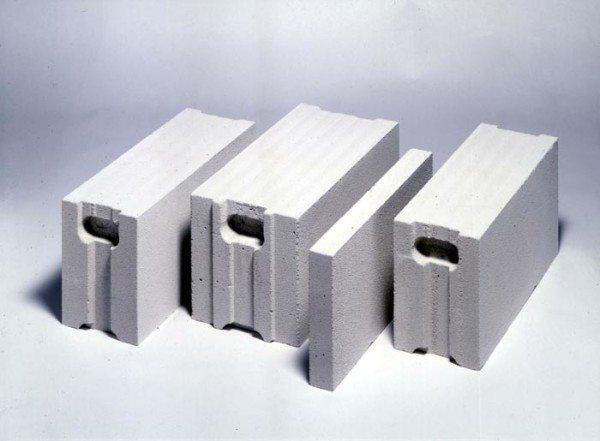 Разновидности блоков с соединением паз-гребень и захватом для рук.