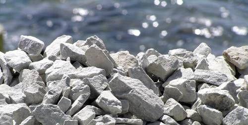 Щебень – главный наполнитель, который позволяет сэкономить цемент без потери прочностных характеристик