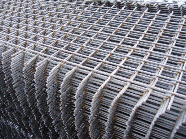 Секционная армирующая сетка металлическая для бетона