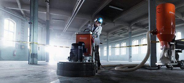 Шлифовальная машинка для бетона относится к профессиональному дорогостоящему оборудованию.