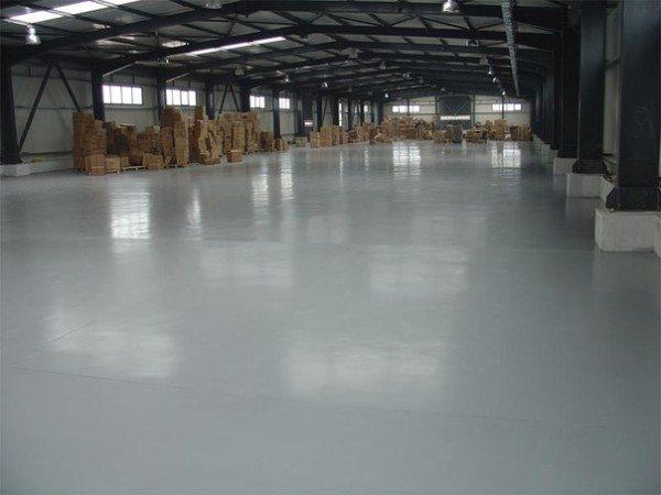 Шлифованный бетонный пол подходит для любого финишного покрытия