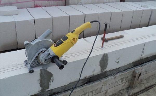 Штробирование газоблоков