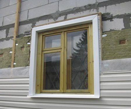 Снаружи фасад из газобетона можно облицевать сайдингом.