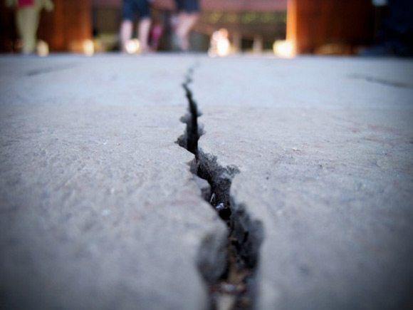 Со временем микротрещины могут привести к разрушению конструкции.