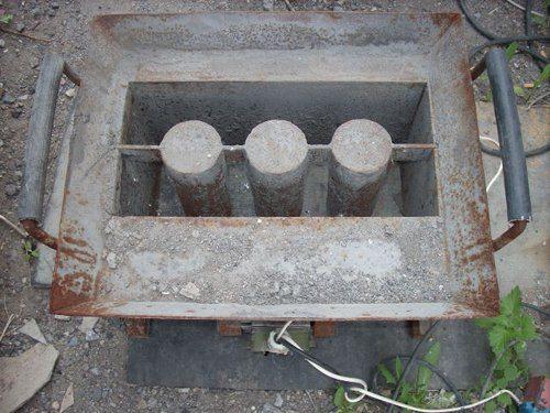 Специальные формы позволяют сделать блоки прямо на стройплощадке