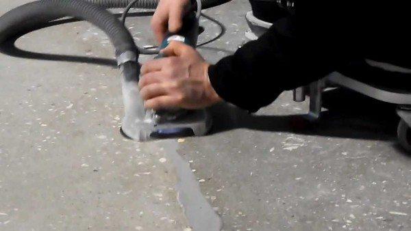 Способ зачистки межплитного шва