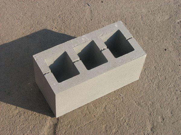 Стеновой бетонный пустотелый блок 400х200х200