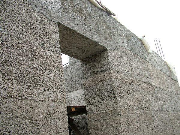 Стеновой камень из пористых материалов - сочетание легкости и прочности