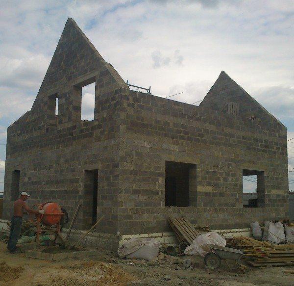 Стены требуют качественной гидроизоляции