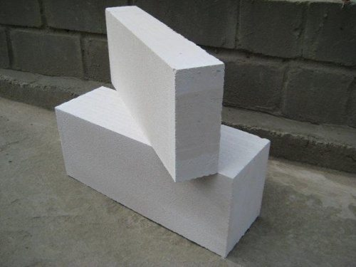 Строительные блоки из легкого мелкопористого бетона.