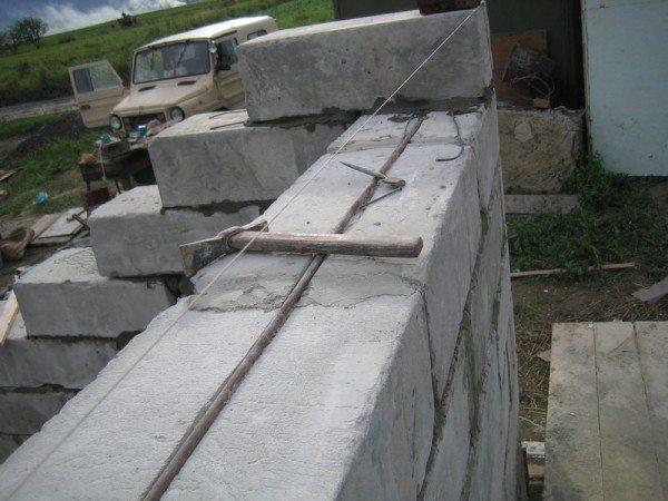 Строительство из пеноблоков.