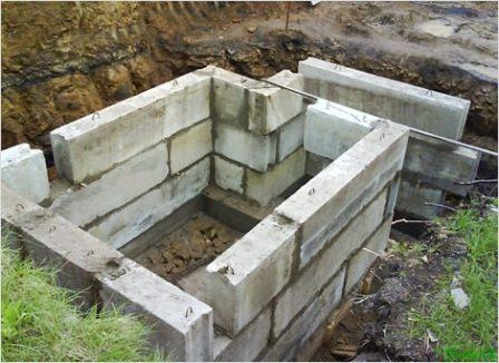 Строительство погреба из железобетонных блоков