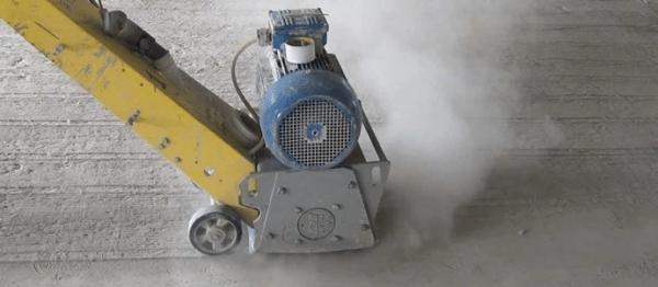 Сухое шлифование поднимает в воздух большое количество цементной пыли