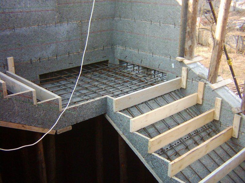 Лестница с бетона своими руками