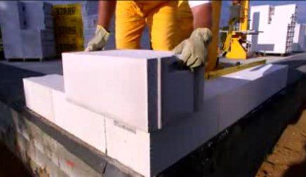 Технология строительства дома из газобетона – делаем угол