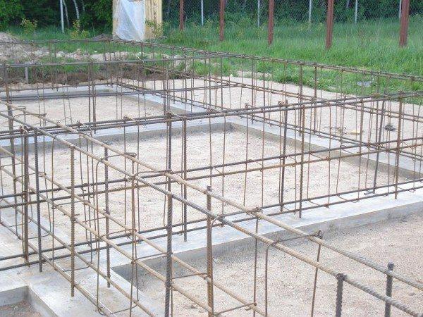 Тип и конфигурация арматуры также влияют на прочность конструкции в целом