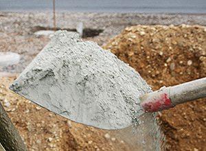 Цемент – уникальный материал, с помощью которого можно своими руками возвести конструкции, которые простоят века, при этом его цена достаточно демократична и доступна