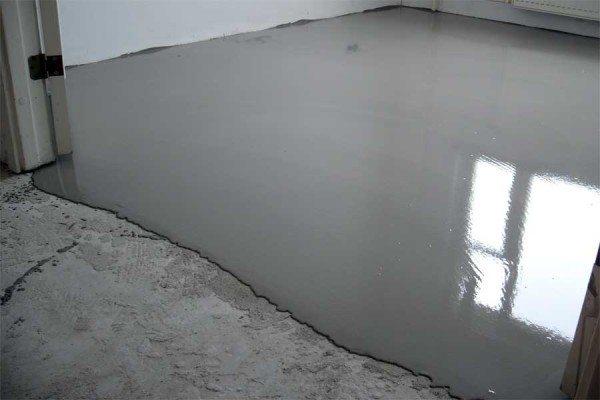 Цементная стяжка для устранения наклона