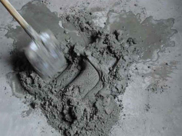 Цементный раствор может быть причиной